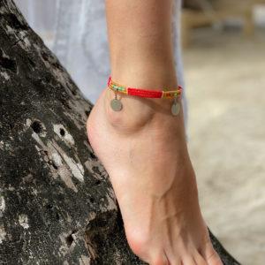Masajska bransoletka na kostkę RED