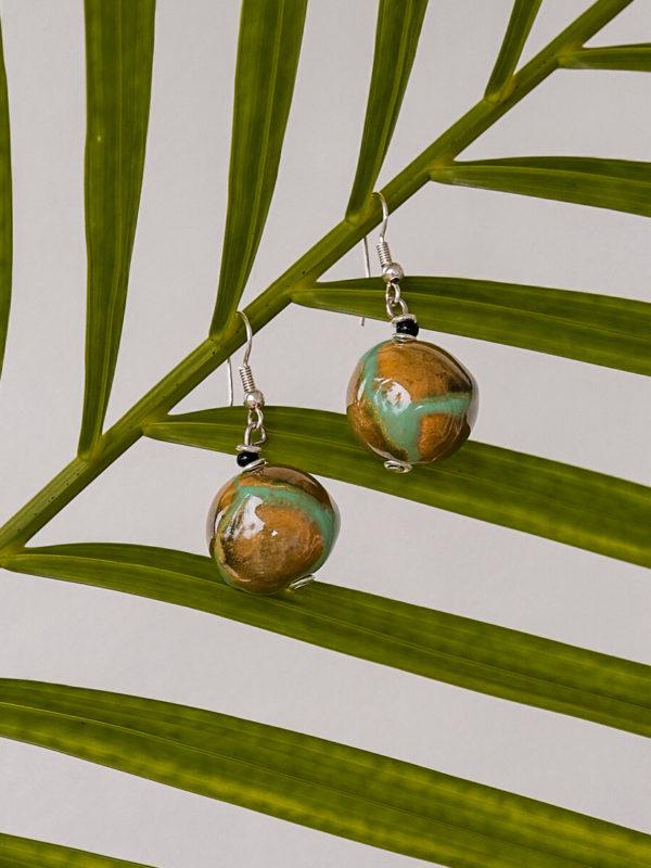 LIQUID GREEN BALL afrykańskie kolczyki KAZURI - - ZEBRA STORE
